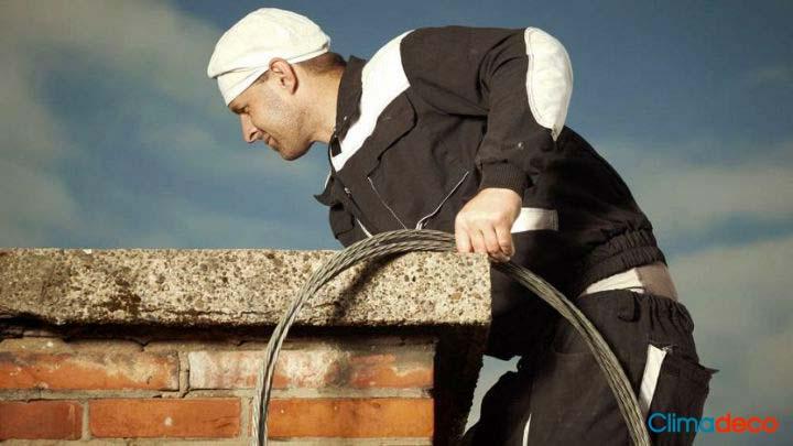 ¿Cómo limpiar la chimenea y el conducto de humos?