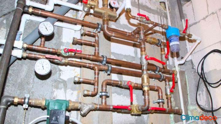 por dónde pasan los tubos de calefacción