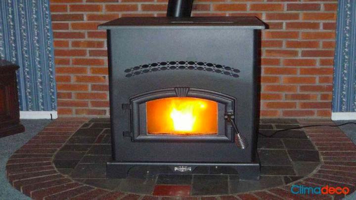 ¿La chimenea es mejor en hierro fundido o en piedra refractaria?